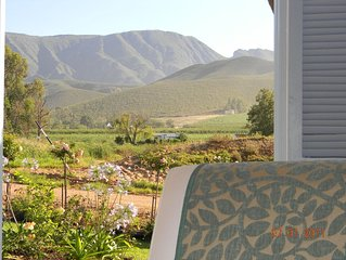 Cape Winelands cottage 90m2 with beautiful views of vineyards, mountains & orcha