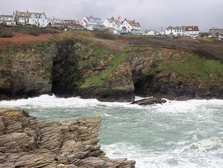Ground Floor Apartment With Sea And Coastal Views. Dogs welcome