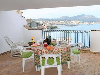 Lovely apartment for 5 guests with A/C, WIFI, TV and pets allowed