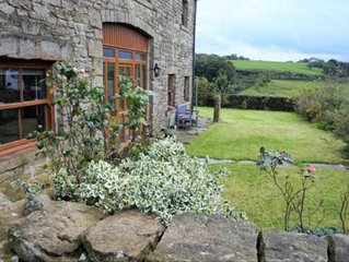 6 bedroom barn conversion in stunning location (Dogs welcome)