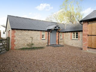 1 bedroom accommodation in Wendlebury, near Bicester