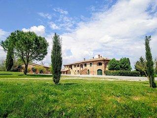 Agriturismo panoramico nelle colline  toscane. Wifi gratuito