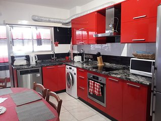 KARAOLIS IMPERIAL COURT: Lovely 3 bedroom Limassol central flat '5 to sea