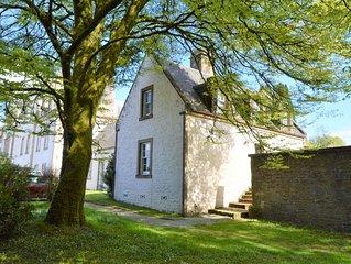 Rhoda's cottage, estate property set in amazing gardens, pet friendly, Wi-Fi