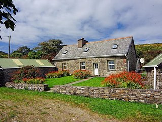 Traditional, renovated cottage, on elevated site with spectacular southerly outl