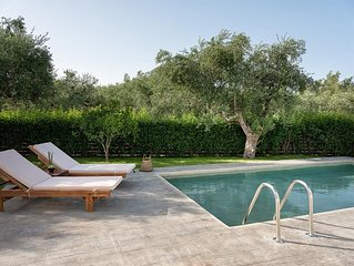 Klelia-2 bedroom villa with Private pool and Garden view