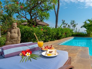 New for rent: 5* Lovina Beachfront poolvilla Free Dolphin Tour