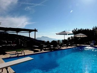 Villa Angelo - Large 8 bedroom villa with stunning sea view of Capri on the Sorr