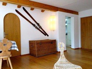 Comodo appartamento ben rifinito con vista sulla valle - Engadina/ Celerina