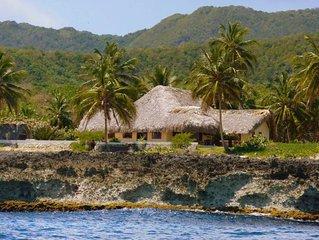 Villa Punta Coral, Villa en bord de mer avec piscine privée