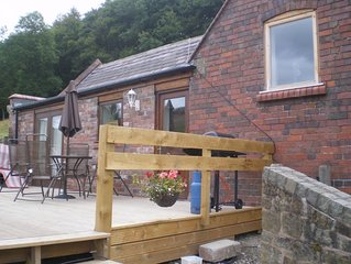 Llangollen Lodge has amazing views enclosed garden/patio area pet friendly