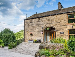 Stunning Barn Conversion, tranquil location. Sleeps 4 adults + 1 infant in a cot