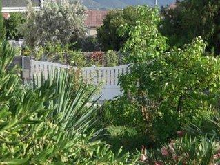 Appartement T2 dans maison avec jardin,à 10mm à pied de la plage