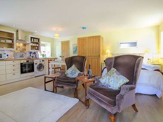 Robins Nest - Boscastle - sleeps 2 guests  in 1 bedroom
