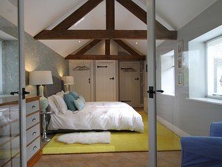 NEW Beautiful Cotswolds Cottage set in Large Gardens