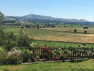 2 Bedroomed Cottage with Outstanding Views