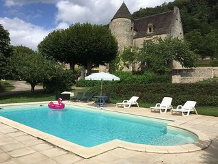 16th Century Manoir with pool, views of three chateau.