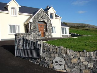 Luxurious Holiday Home with Wifi in the Heart of the Burren, Ballyvaughan.