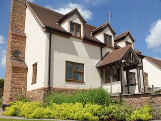 4 bedroom accommodation in Longhope, near Ross-on-Wye
