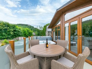 Enjoy this tranquil haven on the outskirts of Betws y Coed, within walking dista
