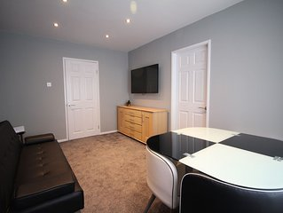 Welcome Apt 1 - One Bed Apartment - Sleeps 4