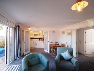 Deck 2 -  a ground floor apartment with sea views that sleeps 4 guests  in 2 bed
