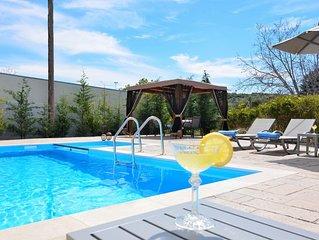 Elia Villa with swimming pool - 'feel like home'