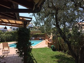 Villa elegante con piscina privata in complesso residenziale
