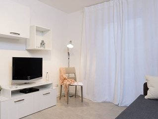 Marina's White apartment in Porta Garibaldi with lift.