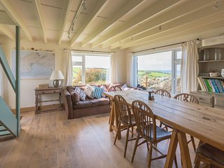 Spacious Cornish Farmhouse with spectacular coastal views in peaceful setting