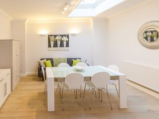 Modern and spacious central mews house for 4 with private parking