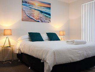 Azure Villa Close to City of Perth and Fremantle.
