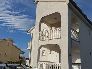 App. für 2-3 Personen mit eigener Balkon mit Meerblick.