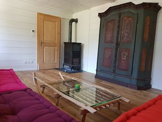 Charming 3 room apartment for 4, only 60m to Madrisa cable car and train station