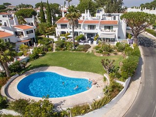 Luxurious  4 bed linked villa with fantastic lakeside views 15 min walk to beach