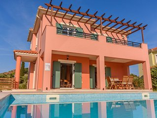 ARMONIA VILLAS Beautiful location deluxe services, easy access to nearby beaches