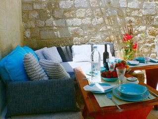 Medieval City house, garden-bbq & Terrace, free Wi-fi,all in walking distance