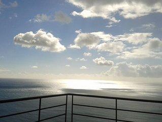 Sea View Apartment Sesimbra- Apartamento Vista Mar