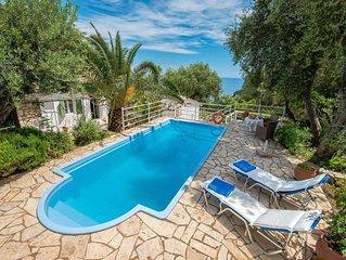 1 bed 1 bath, close to sea, A/C, private swimming pool