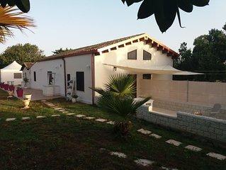 Residence Al Mare Villa Adriana immerso nel verde e a 200 metri dalla spiaggia