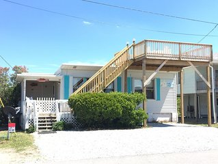 Myers Cottage- pet friendly  in the heart of Topsail Beach.  Fall Special!