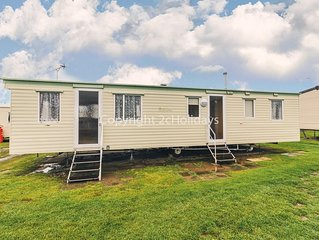 8 berth caravan for hire at California Cliffs near Great Yarmouth ref 50009F