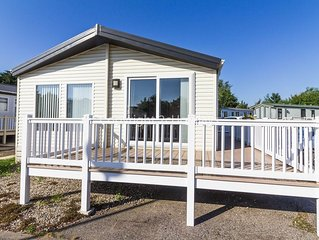 Luxury lodge with large decking near the Norfolk Broads in Norfolk ref 10022