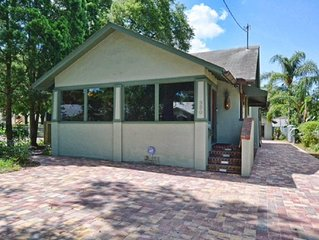 3 bed/2 bath upscale home in downtown Mount Dora
