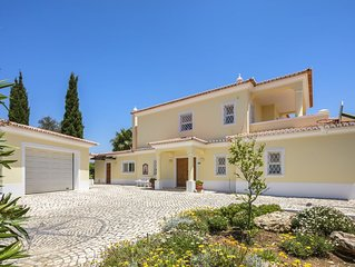Villa with AC & WIFI near beach