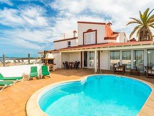 Villa Remos Ocho: Heated Private Pool, Walk to Beach, Sea Views, A/C, WiFi, Car