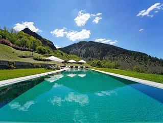 Villa Podere Gaia 16P, Infinity Pool, Free Wi-Fi, BBQ near beaches 5 Terre