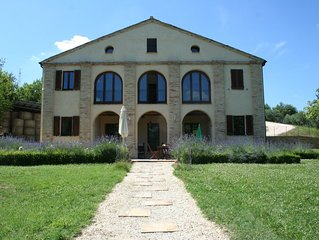 Spacious villa between sea and mountains in unspoilt Italian region