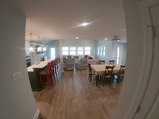 Margate Elevator Close to Beach 4 Bed 3 1/2 Bath Lg Pool Grill full kitchen