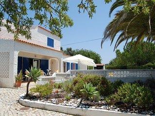 Casa do Farol, até 10 pessoas, piscina c/ vedação, churrasqueira e estacionament